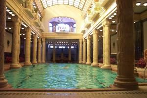 construcción de piscinas clásicas