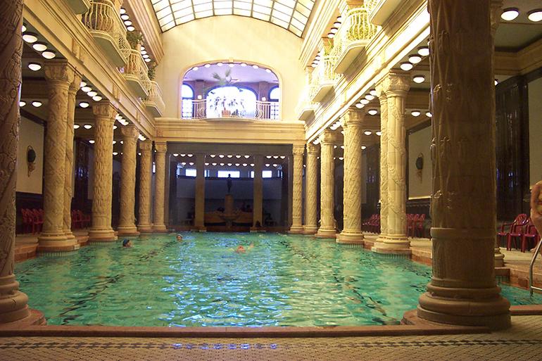 construcció de piscines clàssiques