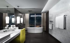 Baño con jacuzzi y con vistas