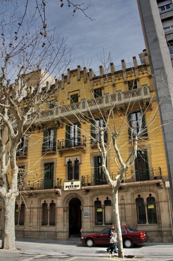 Fachad de Casa Gabernet Espanyol - Manresa
