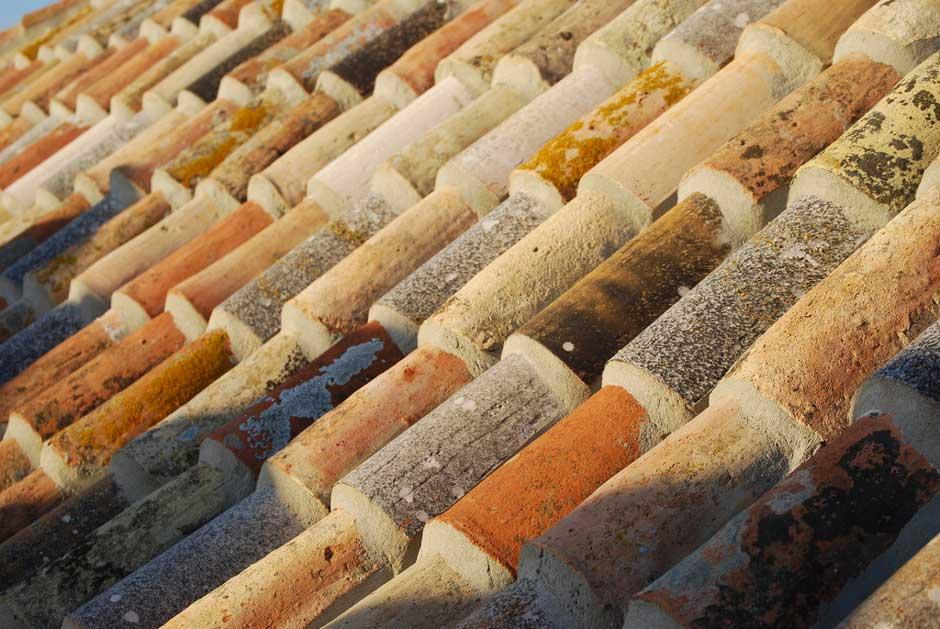 Tejado de tejas cerámicas